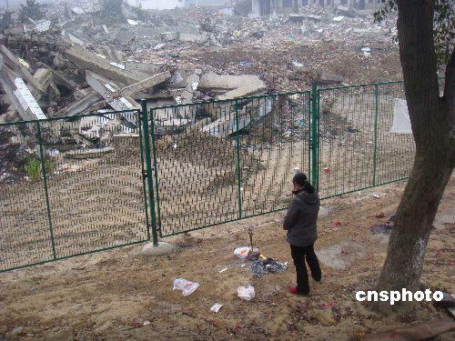北川中学地震遗址照片图片